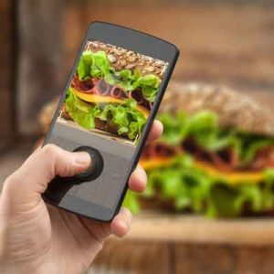 Draw a crowd with food photos!